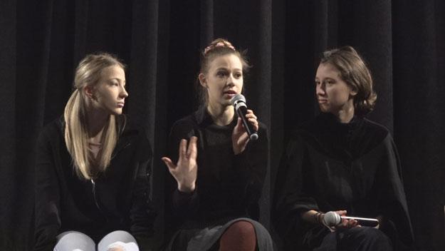 (zleva): Anežka Pithartová, Treza Těžká a Sabina Dlouhá. Foto: Ari Lieberman tvpraha7.cz